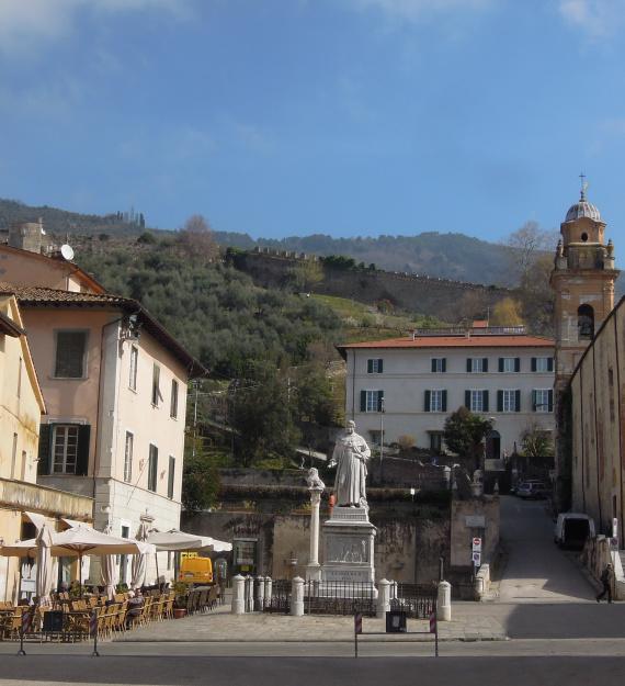 Walking tour Pietrasanta a
